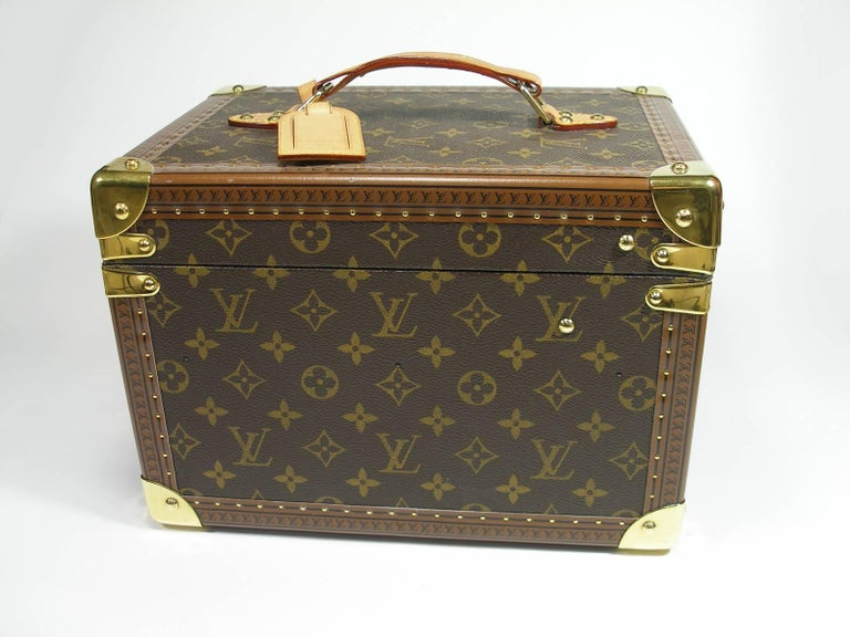 Louis Vuitton Boites à Flacons Beauty Case Monogram Canvas  In Excellent Condition For Sale In VERGT, FR