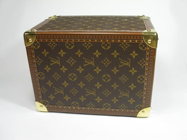 Women's or Men's Louis Vuitton Boites à Flacons Beauty Case Monogram Canvas  For Sale