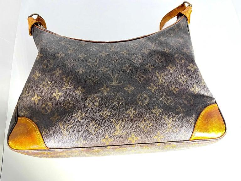 Women's LOUIS VUITTON Boulogne 35 Brown Monogram Shoulder Bag 1218186 For Sale