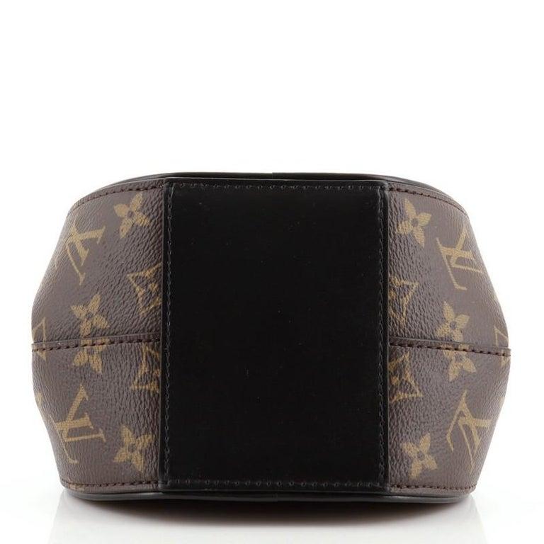 Women's or Men's Louis Vuitton Boursicot Boite Chapeau Bag Reverse Monogram Giant For Sale