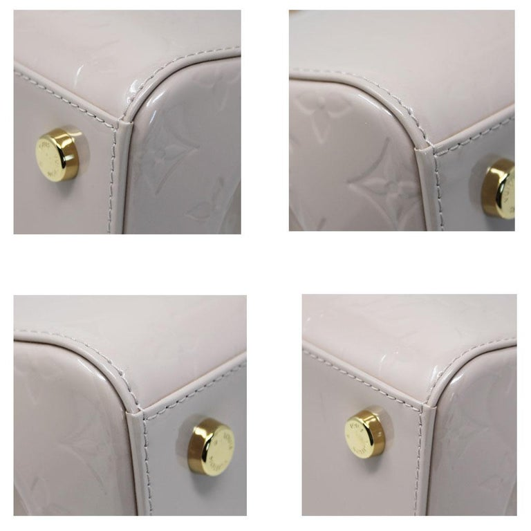 Louis Vuitton Brea MM Rose Angelique Handbag Shoulder Bag in Dust Bag w/ Receipt In Excellent Condition For Sale In Boca Raton, FL