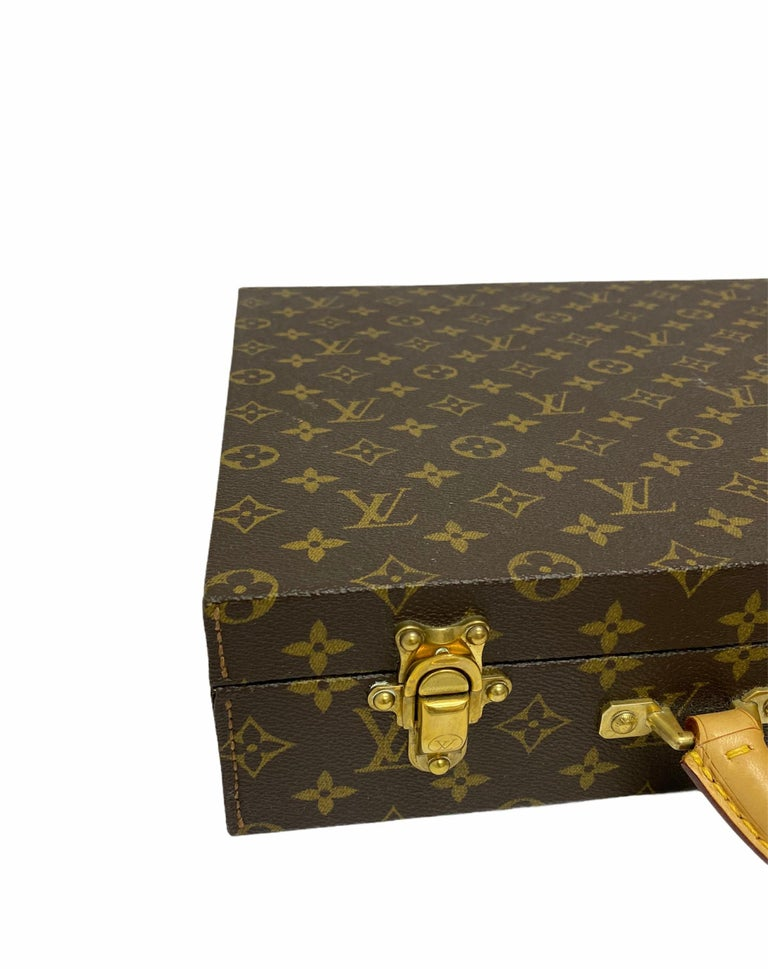 Women's or Men's Louis Vuitton Briefcase with Cowhide Inserts And Golden Hardware For Sale