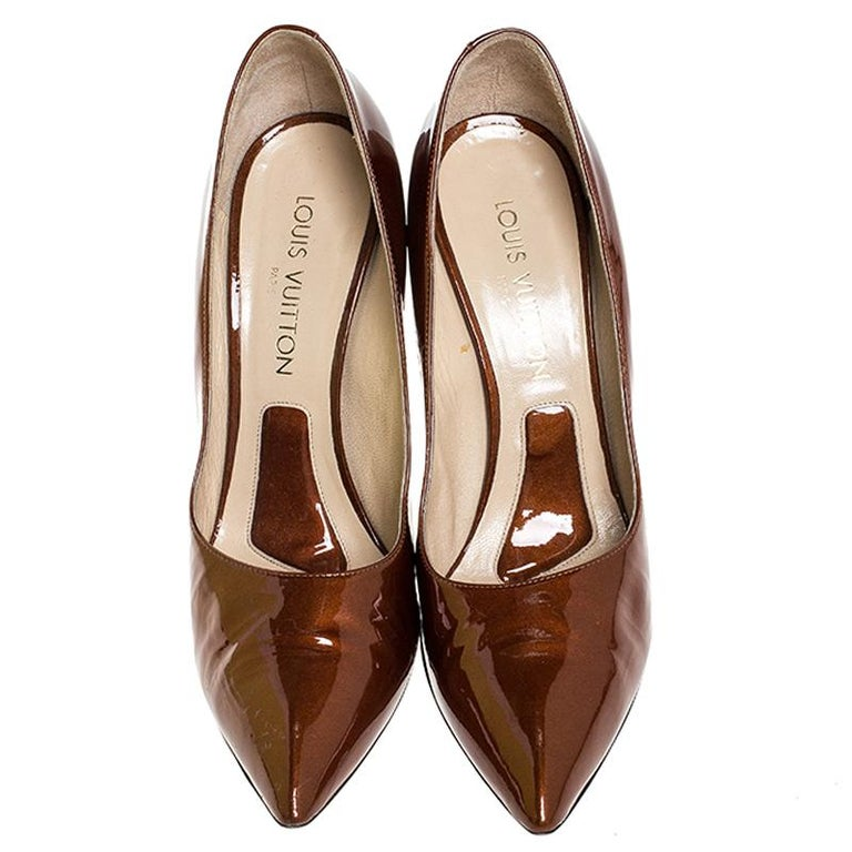 Brown Louis vuitton Bronze Patent Leather Pointed Toe Pumps Size 40.5 For Sale