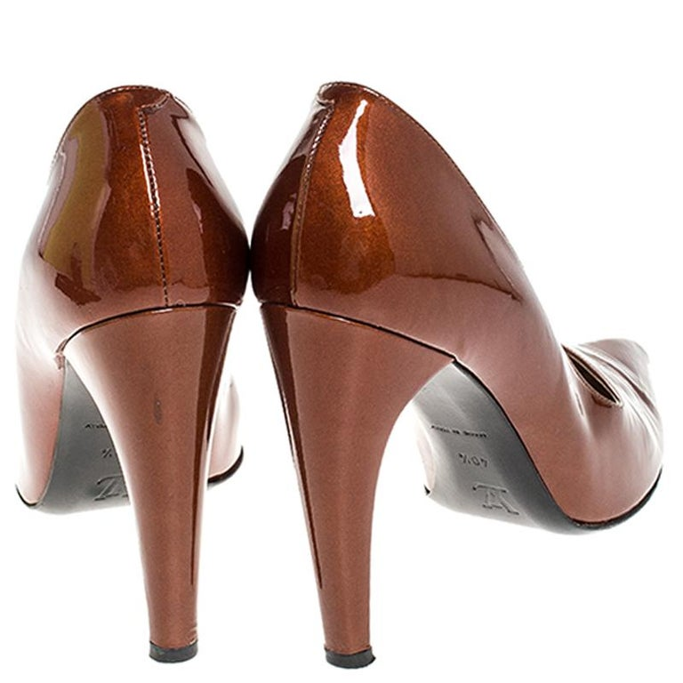 Louis vuitton Bronze Patent Leather Pointed Toe Pumps Size 40.5 For Sale 1