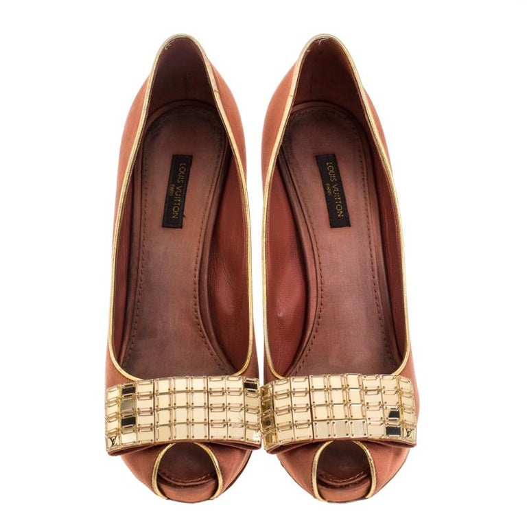 Brown Louis Vuitton Bronze Satin Music Hall Open Toe Pumps Size 38 For Sale