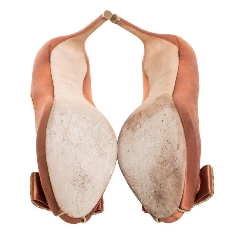 Louis Vuitton Bronze Satin Music Hall Open Toe Pumps Size 38 For Sale 2