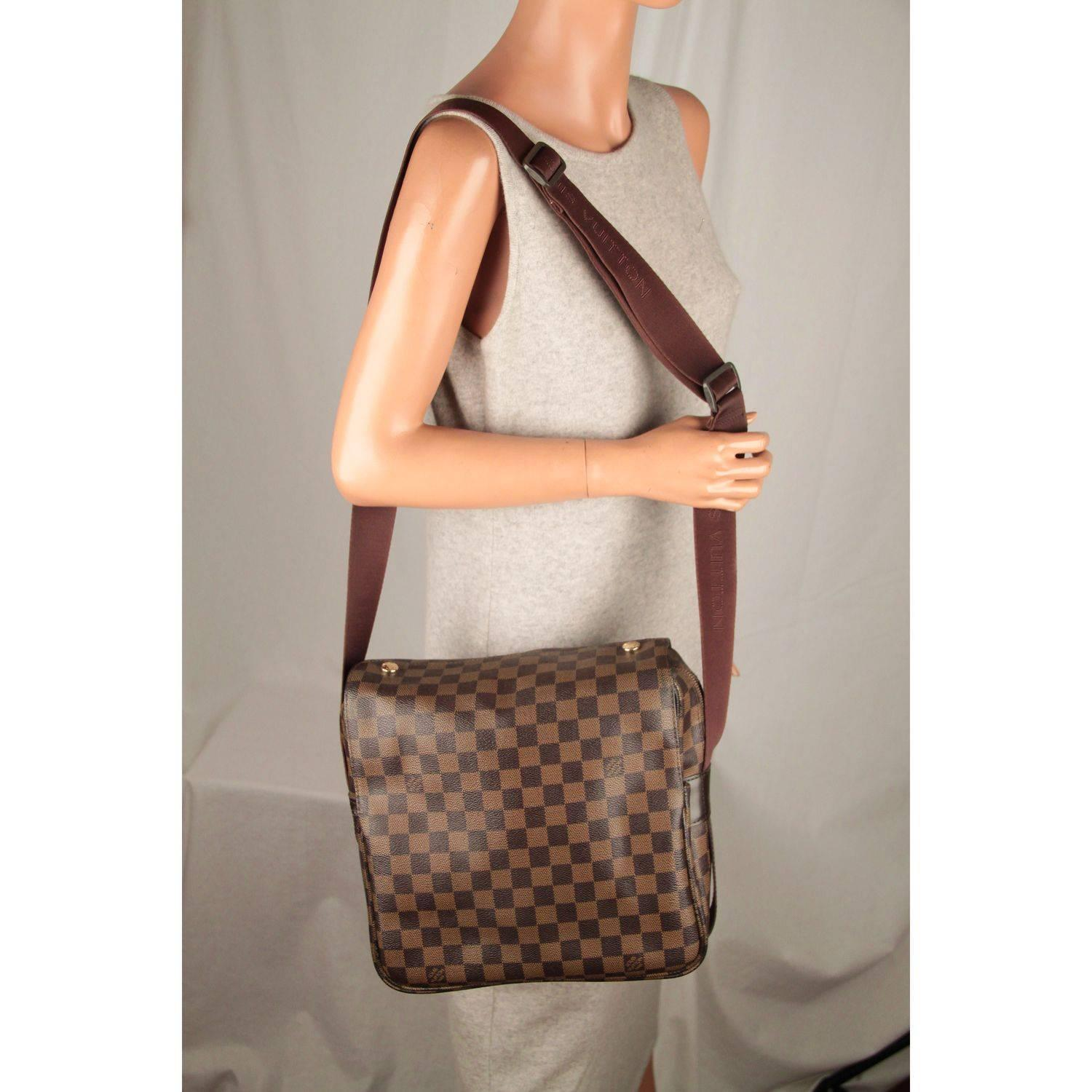 d8811773badc Louis Vuitton Brown Damier Ebene Canvas Naviglio Messenger Bag For Sale at  1stdibs