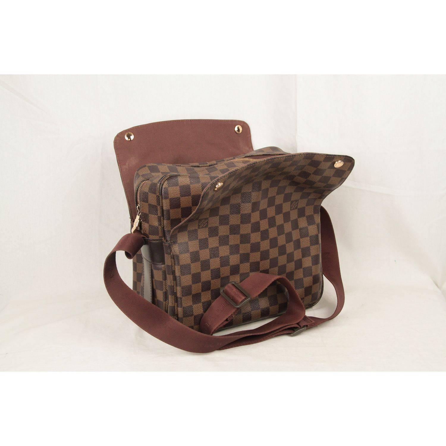 b109dac00f5e Louis Vuitton Brown Damier Ebene Canvas Naviglio Messenger Bag For Sale at  1stdibs