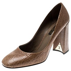 Louis Vuitton Brown Distressed Leather Block Heel Pumps Size 39.5