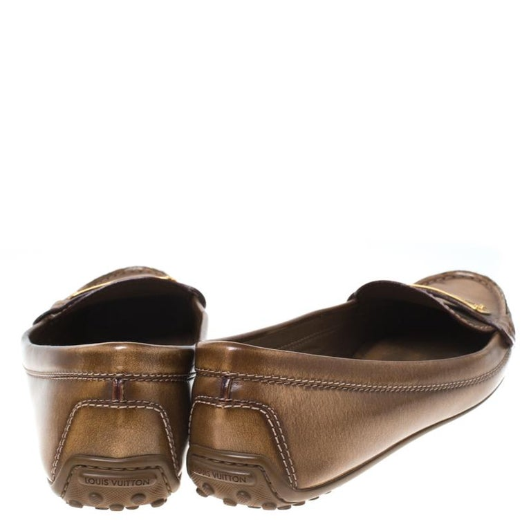 Louis Vuitton Brown Leather Penny Loafers Size 38 In Good Condition For Sale In Dubai, Al Qouz 2