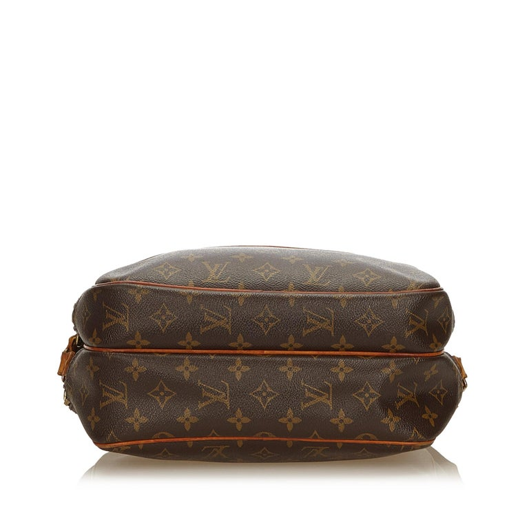 Louis Vuitton Brown Monogram Canvas Canvas Monogram Reporter PM France In Good Condition For Sale In Orlando, FL
