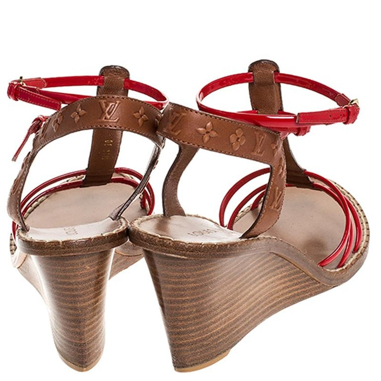 Louis Vuitton Brown Monogram Embossed Leather And Red Wedge Sandals Size 40 For Sale 2
