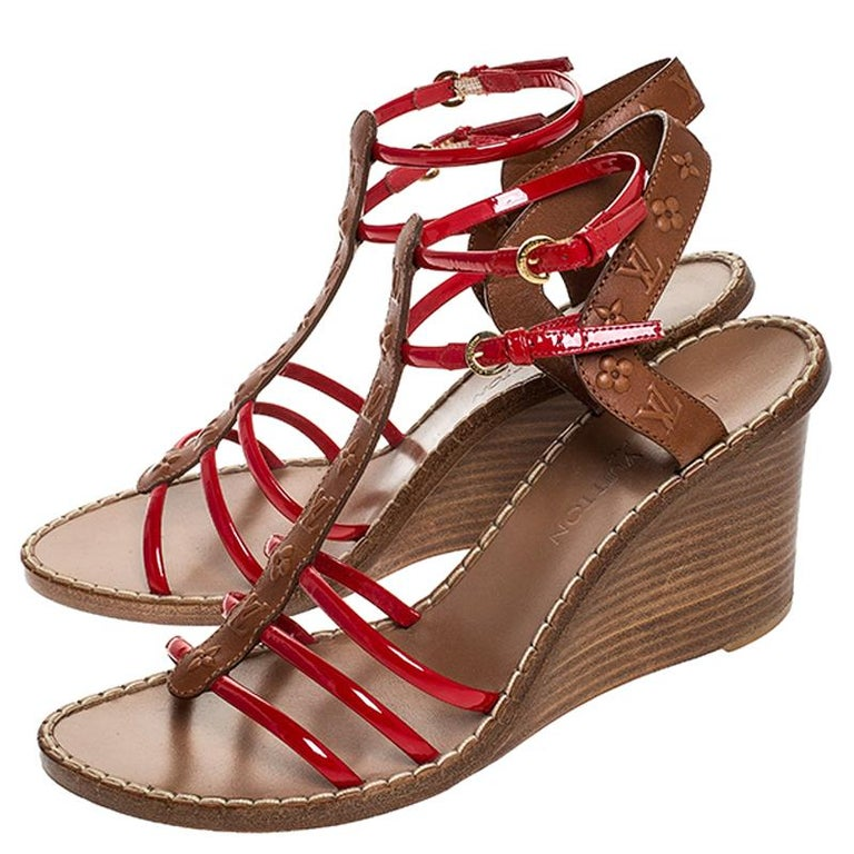 Louis Vuitton Brown Monogram Embossed Leather And Red Wedge Sandals Size 40 For Sale 3