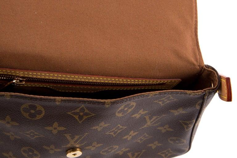 Women's Louis Vuitton Brown Monogram Looping Handbag