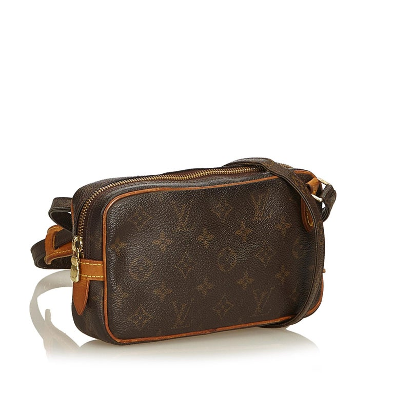 The Marly Bandouliere features a monogram canvas body, an adjustable shoulder strap, and a top zip closure. It carries as B condition rating.  Inclusions:  This item does not come with inclusions.   Louis Vuitton pieces do not come with an