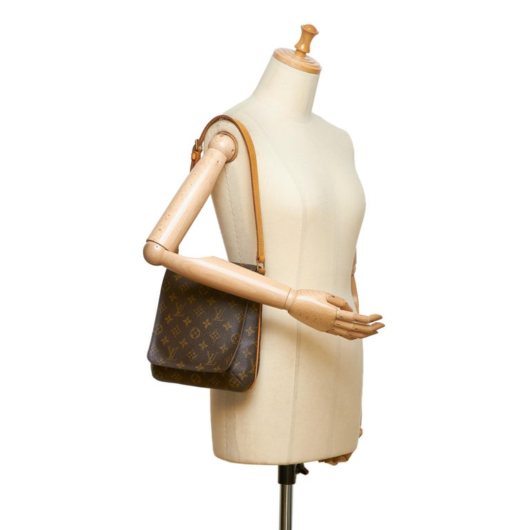 Louis Vuitton Brown Monogram Musette Salsa Short Strap For Sale 3