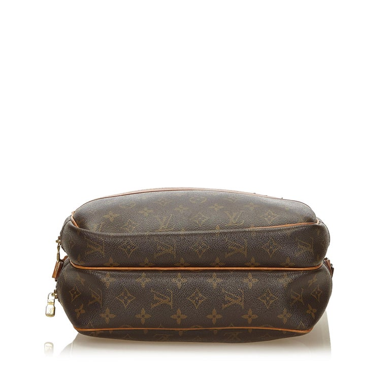Louis Vuitton Brown Monogram Reporter PM In Good Condition For Sale In Orlando, FL