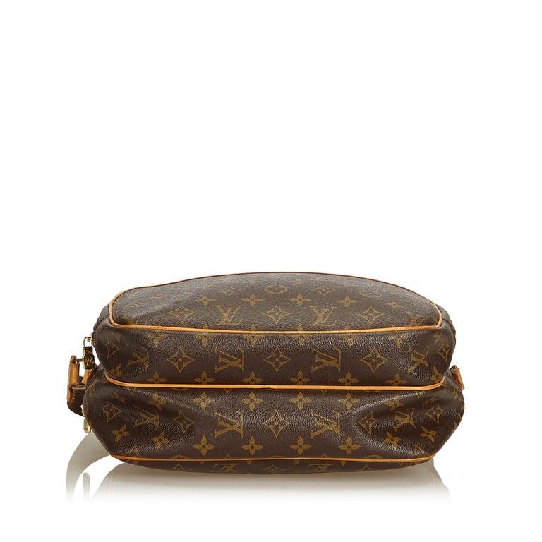Louis Vuitton Brown Monogram Reporter PM In Good Condition For Sale In Orlando, FL