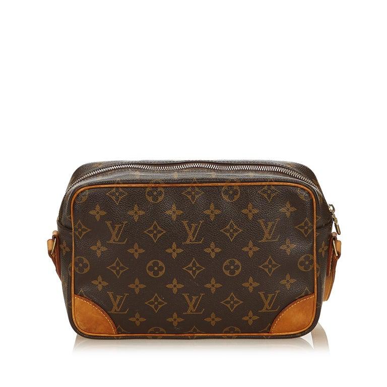 Louis Vuitton Brown Monogram Trocadero 27 In Good Condition For Sale In Orlando, FL