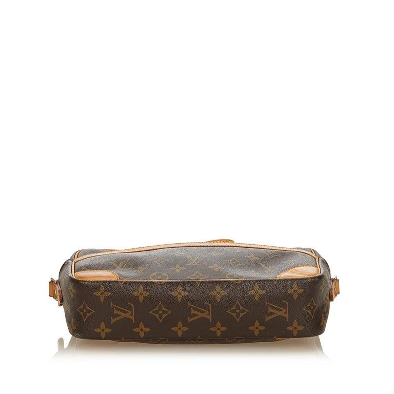 Women's Louis Vuitton Brown Monogram Trocadero 27 For Sale
