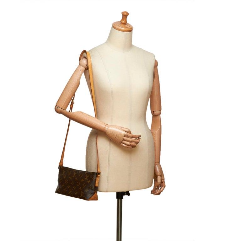 Louis Vuitton Brown Monogram Trotteur For Sale 4