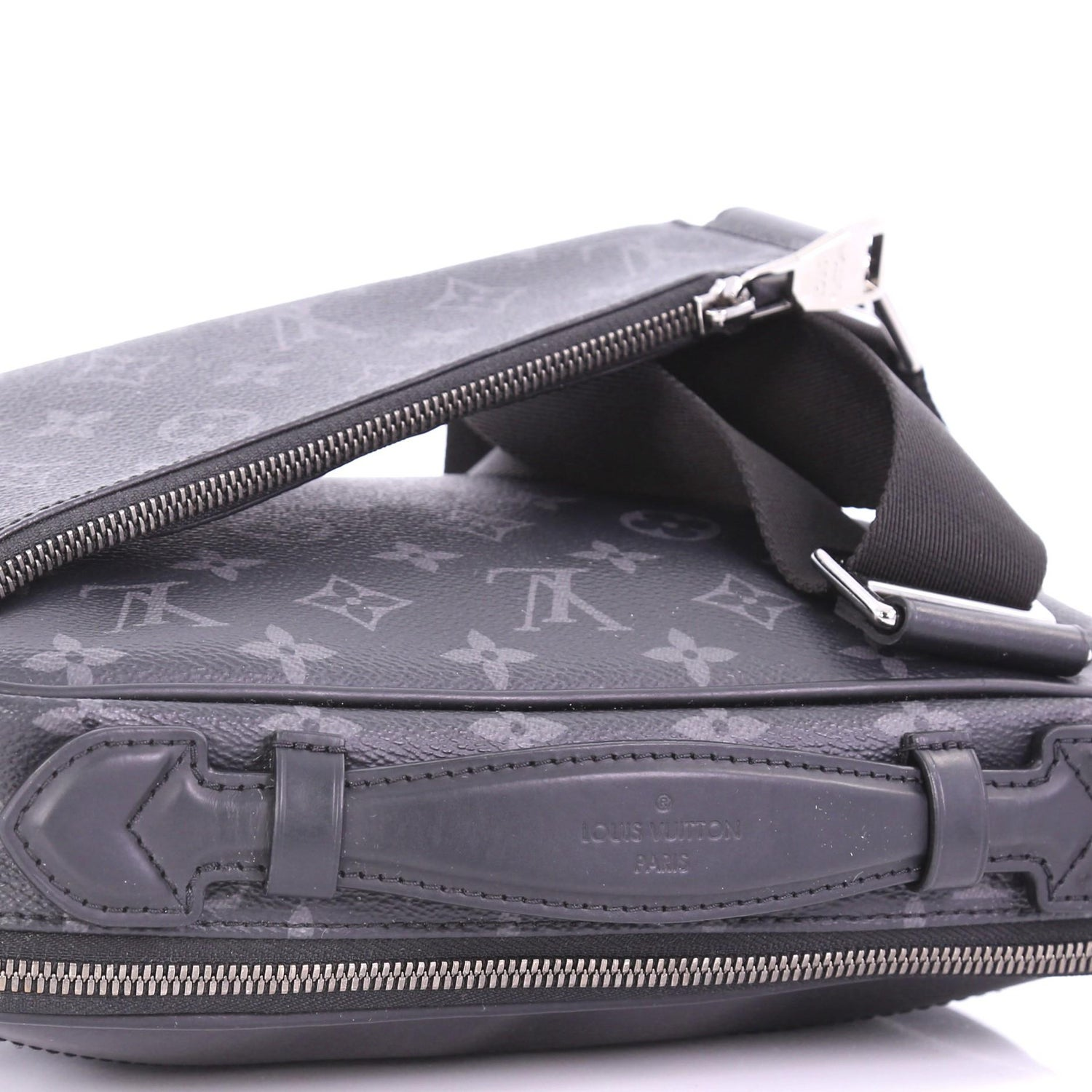 7fe7112cae40 Louis Vuitton - Men s LOUIS VUITTON Pochette Voyage clutch bag M64440 Monogram  Eclipse Flash