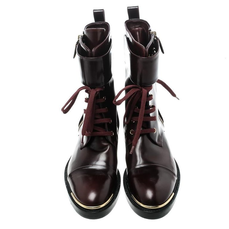 You will always be style-ready when you flaunt these gorgeous Ranger boots by Louis Vuitton. Crafted from leather, they feature a lace-up front, zip details, and comfortable insoles. They've been beautified with gold-tone accents and a belted