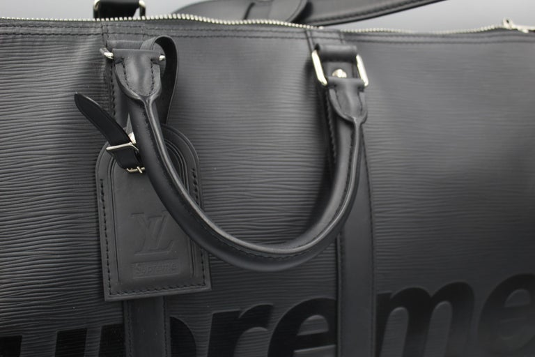 Louis Vuitton by Supreme Black Epi Leather Keepall In Good Condition For Sale In Paris, FR