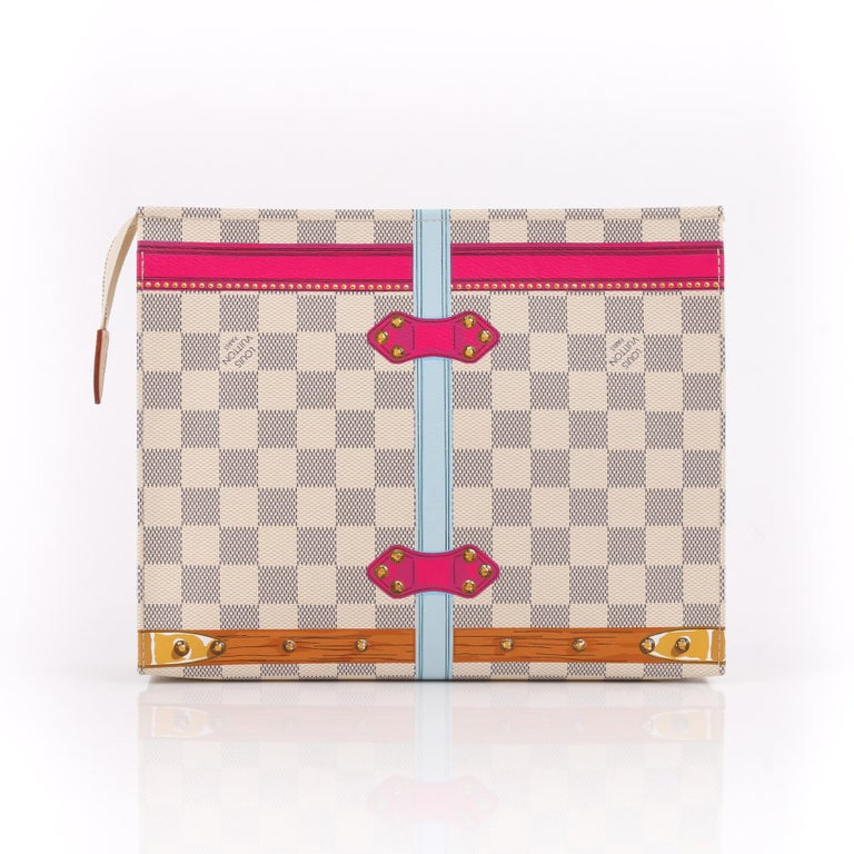 LOUIS VUITTON c.2018 Damier Azur Summer Trunk Hawaii Toiletry Pouch 26 NWT  In New Condition For Sale In Thiensville, WI