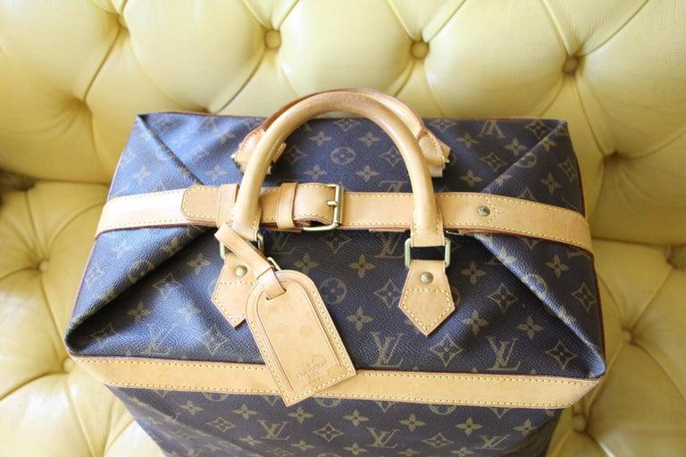 Women's or Men's Louis Vuitton Cabin Size Travel Bag 40, Louis Vuitton Bag For Sale