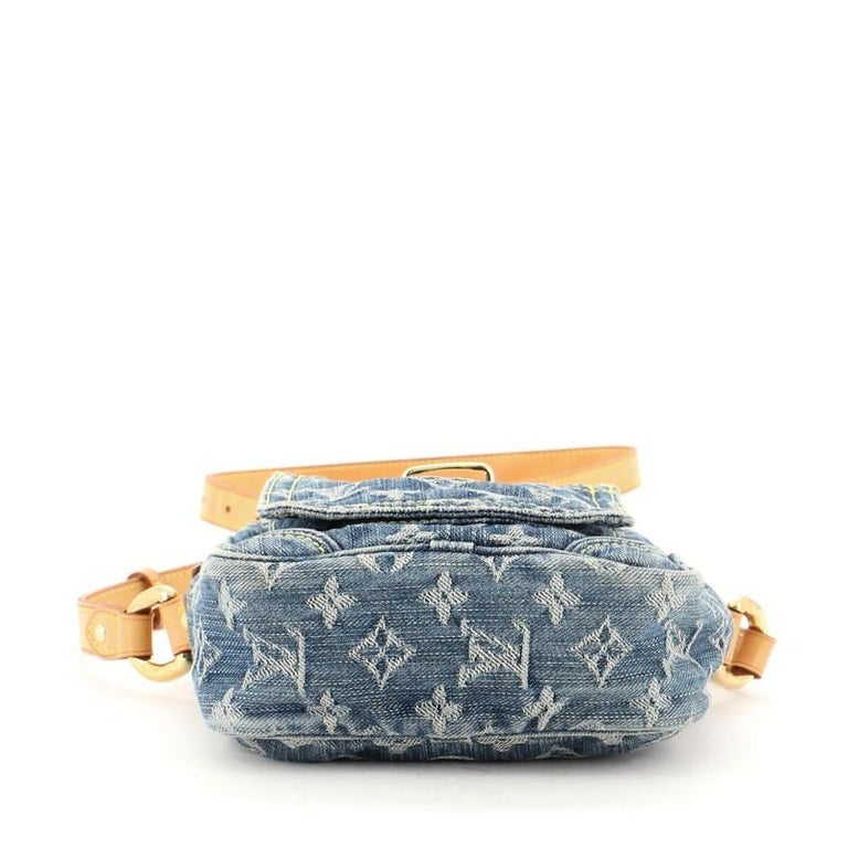 Louis Vuitton Camera Bag Monogram Denim In Good Condition For Sale In New York, NY