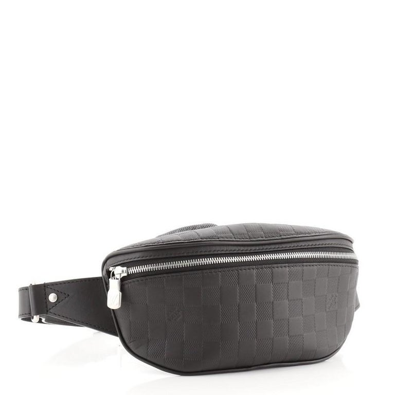 Louis Vuitton Campus Bumbag Damier Infini Leather In Good Condition For Sale In New York, NY