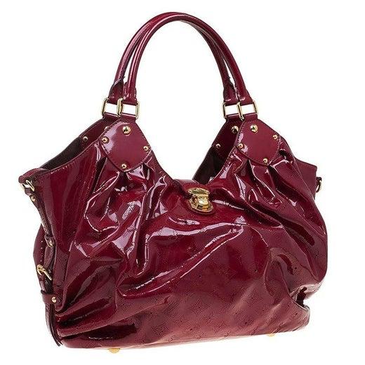 0991d480ff3ce Louis Vuitton Cerise Monogramm Lackleder Surya L Beutel im Angebot bei  1stdibs