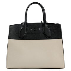 LOUIS VUITTON City Steamer Shoulder bag in Beige Leather