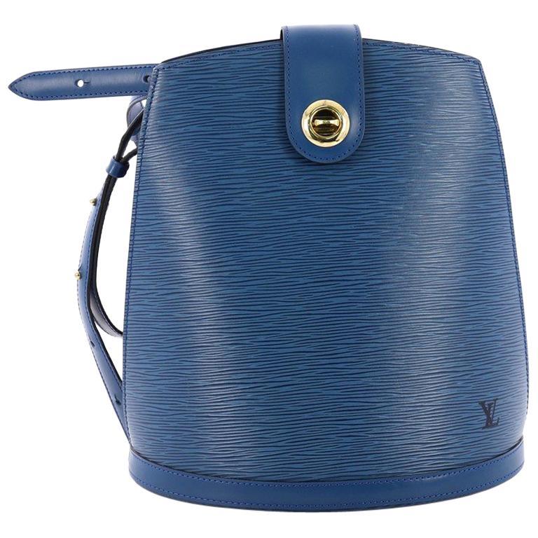 068770e2ac46e Louis Vuitton Cluny Umhängetasche Epi Leder bei 1stdibs