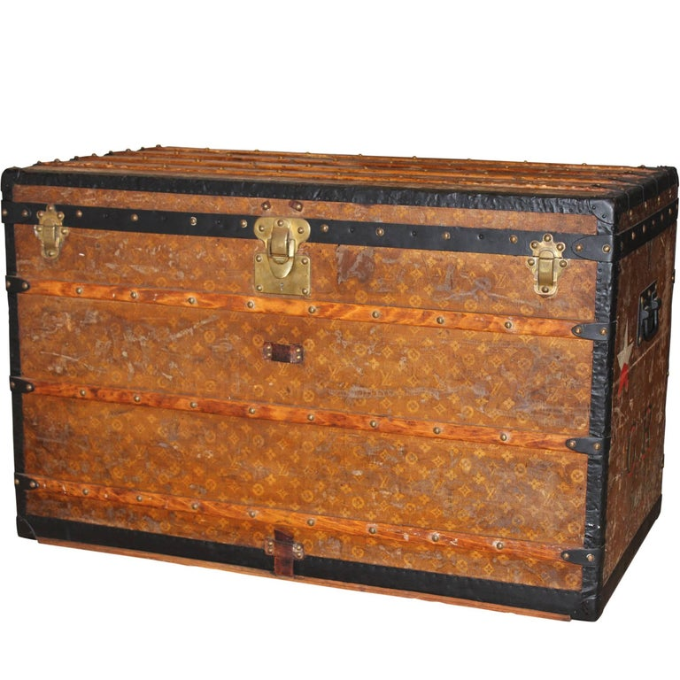 Louis Vuitton Courier Trunk with GR Initials, circa 1920s For Sale