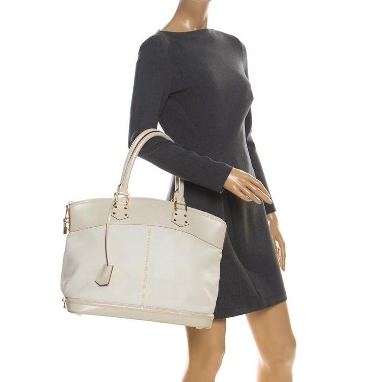 Beige Louis Vuitton Cream Suhali Leather Lockit GM Bag For Sale