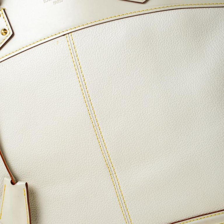 Louis Vuitton Cream Suhali Leather Lockit GM Bag For Sale 1