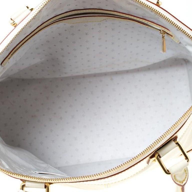 Louis Vuitton Cream Suhali Leather Lockit GM Bag For Sale 2