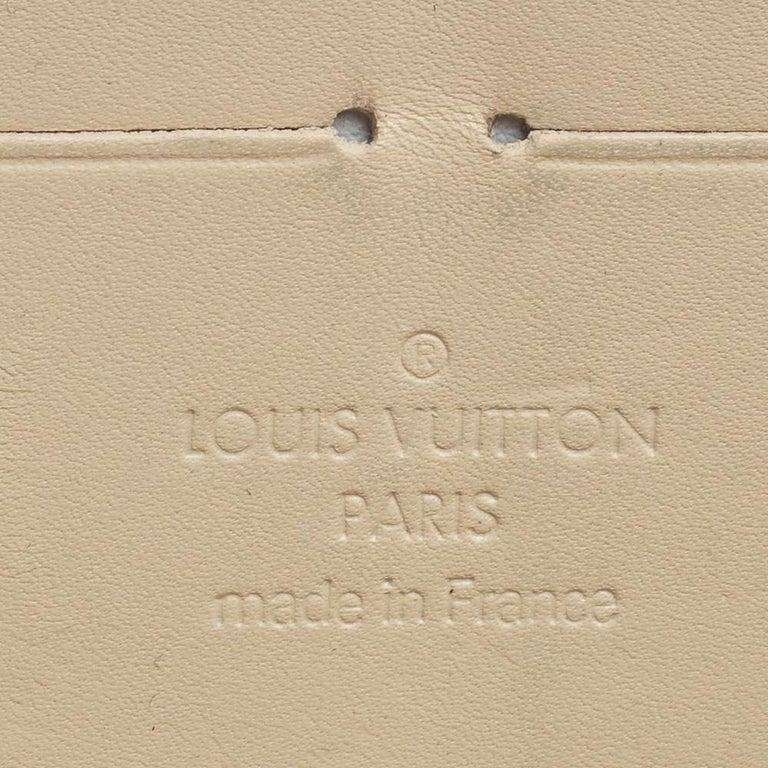 Louis Vuitton Cream White Monogram Vernis Zippy Wallet For Sale 3