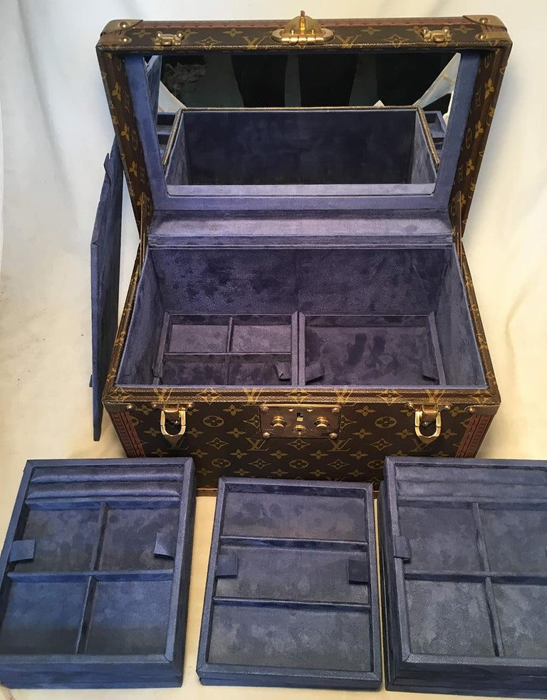 Louis Vuitton Custom Monogram Jewelry Travel Train Case with 16 Ultrasuede Trays For Sale 8