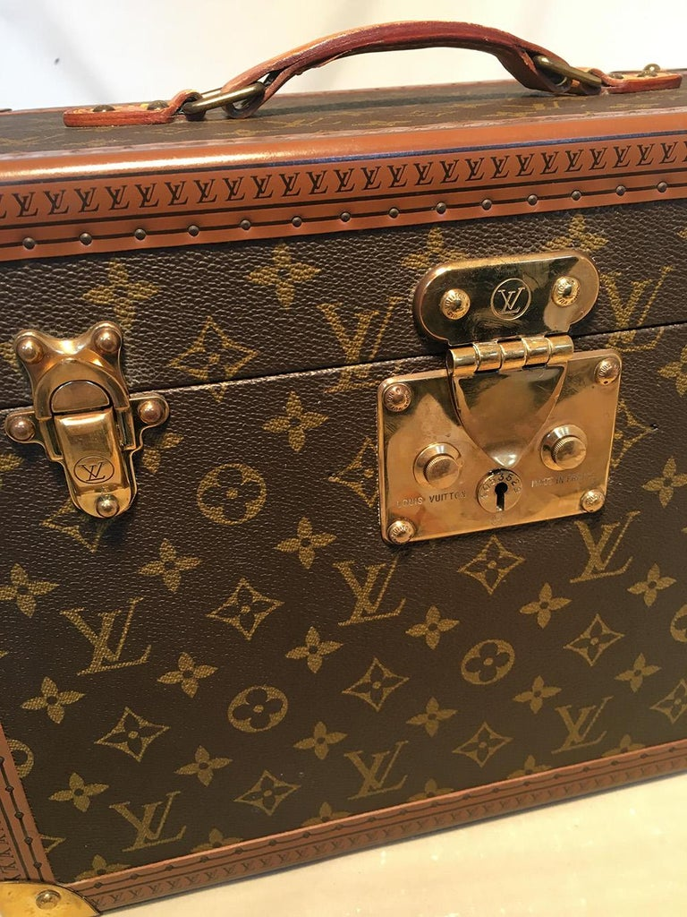 Louis Vuitton Custom Monogram Jewelry Travel Train Case with 16 Ultrasuede Trays For Sale 2