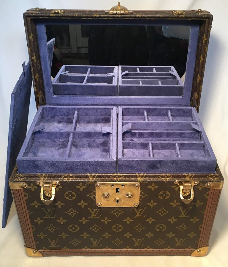 Louis Vuitton Custom Monogram Jewelry Travel Train Case with 16 Ultrasuede Trays For Sale 4