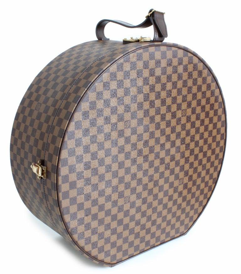 827be7fb959a Women s or Men s Louis Vuitton Damier Canvas Boite Chapeaux Hat Box Luggage  50cm Travel Bag Rare
