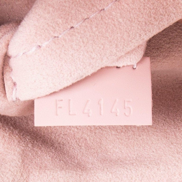 LOUIS VUITTON Damier canvas Rose Ballerine CAISSA PM Tote Shoulder Bag For Sale 2