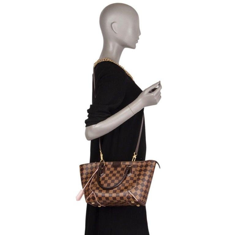 LOUIS VUITTON Damier canvas Rose Ballerine CAISSA PM Tote Shoulder Bag For Sale 3