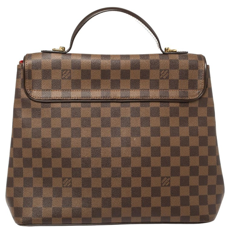 Louis Vuitton is trusted to mark a striking statement in the world of fashion with its phenomenal pieces. This Bergamo bag surely meets the expectations. This creation has been beautifully crafted from Damier Ebene coated canvas and styled with a