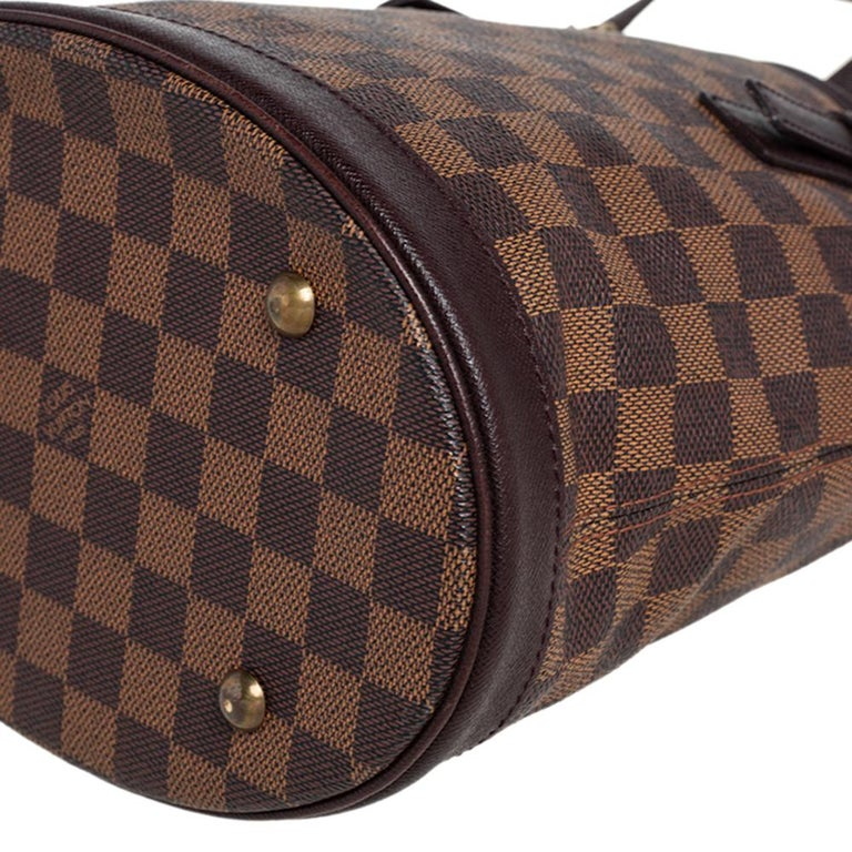 Louis Vuitton Damier Ebene Canvas Marais Bucket Bag For Sale 6