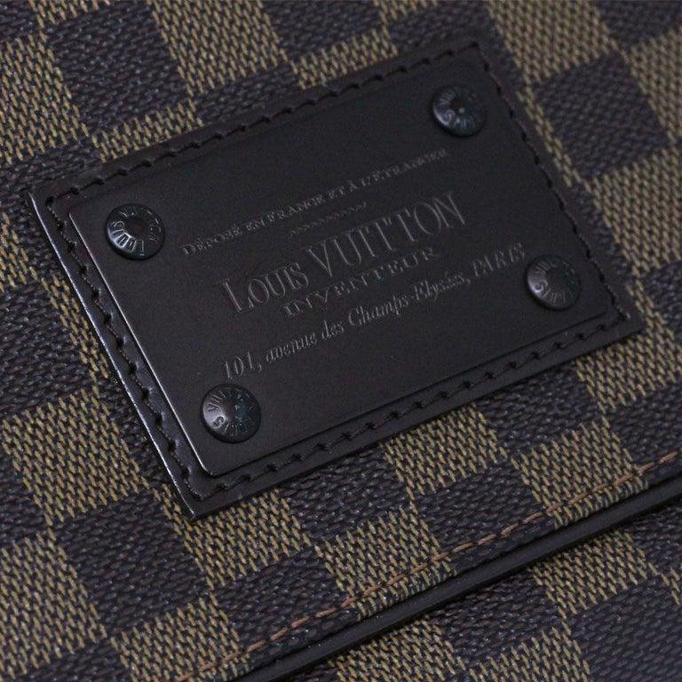 Louis Vuitton Damier Ebene MM Messenger Bag For Sale 1