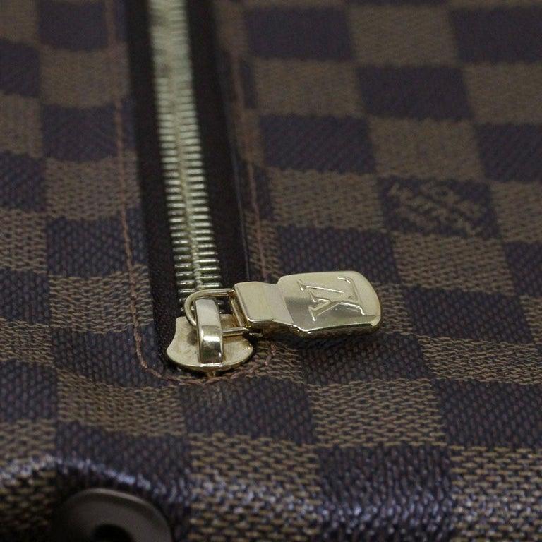 Louis Vuitton Damier Ebene MM Messenger Bag For Sale 2
